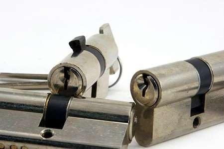 door-lock-parts-how-to-identify-and-repl