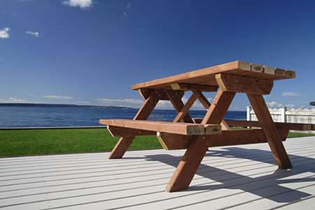 Picnic Tables at WoodworkersWorkshop.com - Free Woodworking Plans