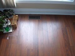Laminate flooring do it yourself laminate flooring for Do it yourself flooring