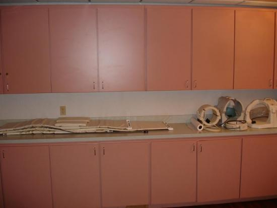 Painting formica cabinets before and after cabinets for Can i paint formica kitchen cabinets