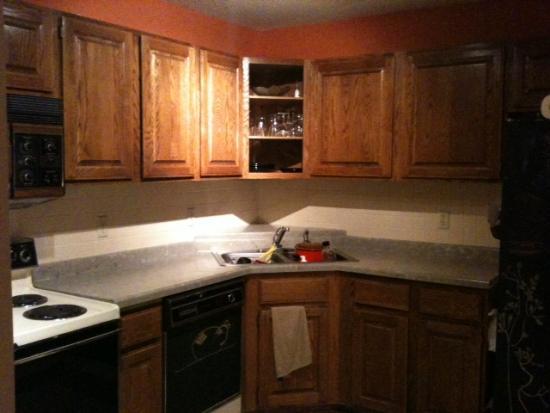 Inexpensive condo kitchen remake for Kitchen remake