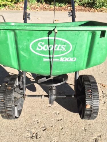 scotts speedygreen 1000 law spreader spring repair doityourself com rh doityourself com Speedy Green 3000 Settings Scott's Speedy Green 2000 Manual