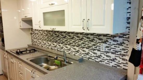 Kitchen Backsplash Using Tic Tac Tiles Self Adhesive Doityourself